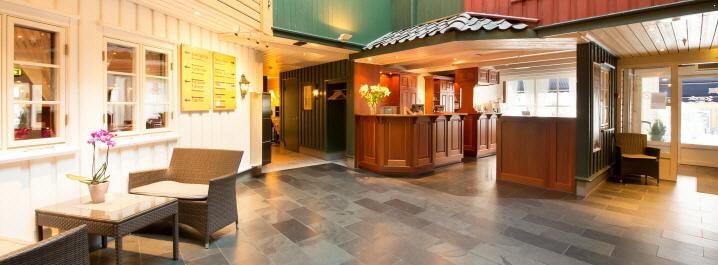 Scandic-Grimstad2c-Grimstad2c-lobby2c-reception2c-front-desk